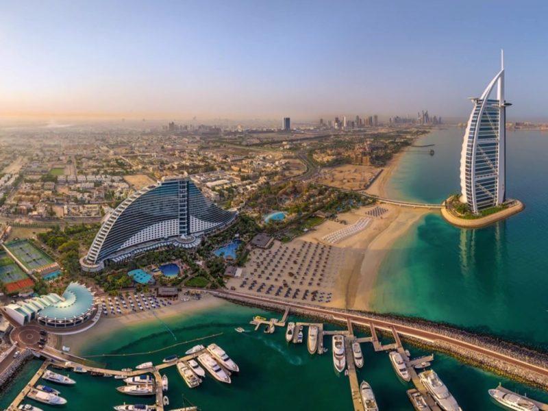 Отель у моря в Дубае