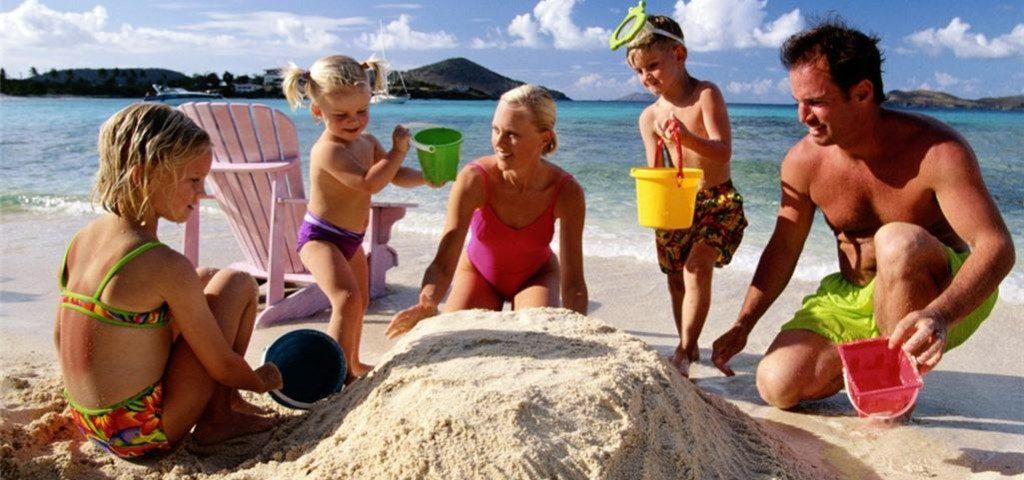 Как отдохнуть с детьми за границей