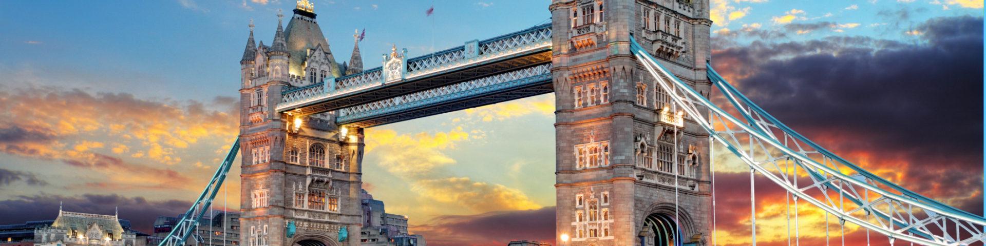 Лондон - готическое величие у реки